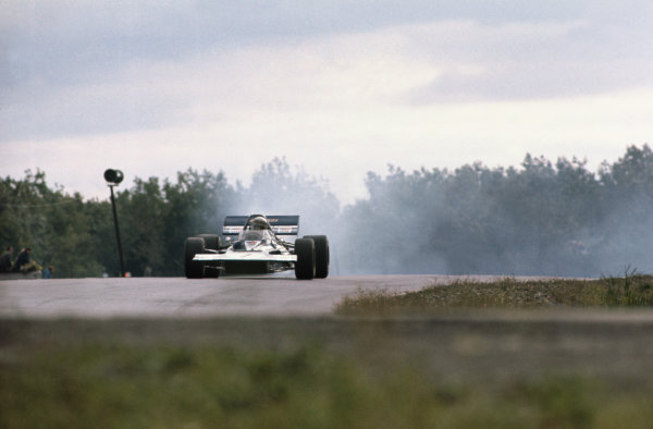 1970 United States Grand Prix. Watkins Glen, New York, USA. 2nd - 4th October 1970. Jackie Stewart (Tyrrell 001-Ford), retired, action.  World Copyright: LAT Photographic. Ref: 70 USA 11.