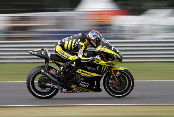 British Grand Prix.  Silverstone, England. 10th-12th June 2011.  Colin Edwards, Yamaha. Action.  World Copyright: Kevin Wood/LAT Photographic.  ref: Digital Image
