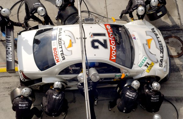 2005 DTM Championship Nurburgring, Germany. 6th - 7th August 2005Jamie Green (Salzgitter AMG-Mercedes C-Klasse). Overhead Pitstop.World Copyright: Andre Irlmeier / LAT Photographic ref: Digital Image Only