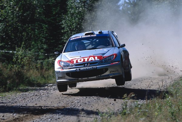 2002 World Rally ChampionshipNeste Rally of Finland. 8th - 11th August 2002.Rally winner Marcus Gronholm/Timo Rautianen, Peugeot 206 WRC, action.World Copyright: McKlein/LAT Photographicref: 35mm Image A05