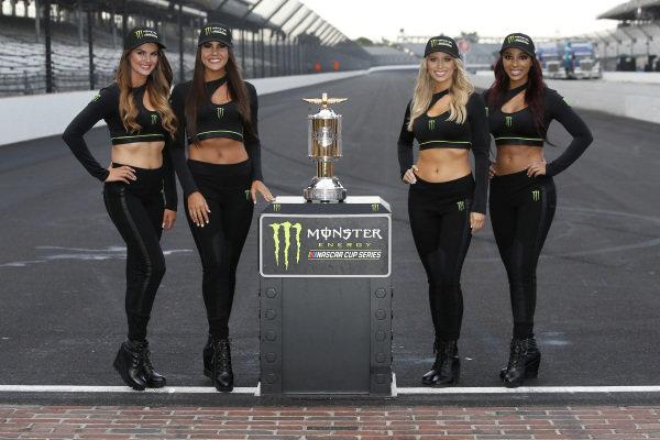 Monster Victory Lane Girls