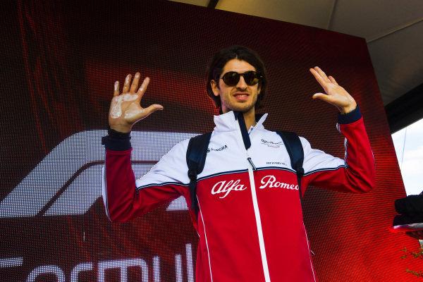 Antonio Giovinazzi, Alfa Romeo Racing hand mould