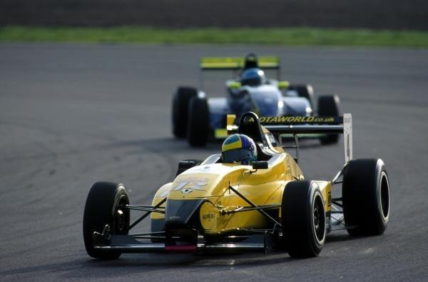 Robert Bell (GBR) was the winner of both races.Rockingham, England, 11 November 2001BEST IMAGE