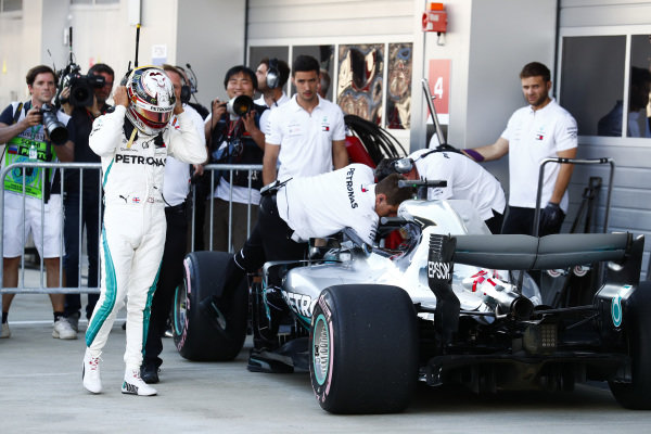 Lewis Hamilton, Mercedes AMG F1 W09 EQ Power+, places 2nd for the race.