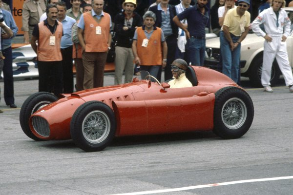 Juan Manuel Fangio, demonstration laps in a Lancia-Ferrari D50, action.