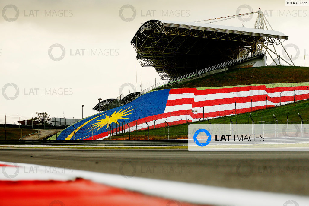 Sepang International Circuit, Sepang, Kuala Lumpur, Malaysia. Thursday 26 March 2015. Malaysian flag in the gravel. World Copyright: Alastair Staley/LAT Photographic. ref: Digital Image _79P0933