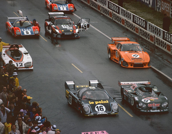 1980 Le Mans 24 Hours. Le Mans, France. 14th - 15th June 1980.Front Row: Jean Rondeau/Jean-Pierre Jaussaud (Rondeau M379B Ford), 1st position, Alain de Cadenet/Francois Migault (De Cadenet LM Ford), 7th position, Second Row: Chris Craft/Bob Evans (Dome RL80 Ford), 25th position, Ted Field/Danny Ongais/Jean-Louis Lafosse (Porsche 935 K3), retired, action. World Copyright: LAT Photographic. Ref: 80LM19.