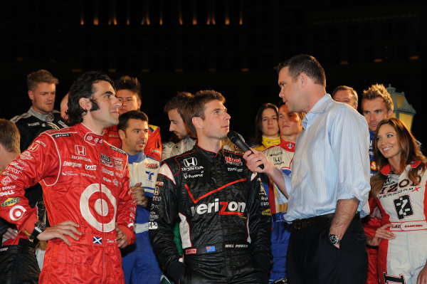 Dario Franchitti (GBR) Target Chip Ganassi Racing and Will Power (AUS) Team Penske at the pre-event build up. IndyCar Series, Rd17, Las Vegas Indy 300, Las Vegas Motor Speedway, Las Vegas, USA, 15-16 October 2011.