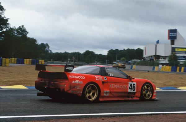 1995 Le Mans 24 Hours. Le Mans, France. 17th - 18th June 1995. Hideki Okada/Philippe Favre/Naoki Hattori (Honda NSX GT1), Not Classified, action.  World Copyright: LAT Photographic. Ref:  95LM33