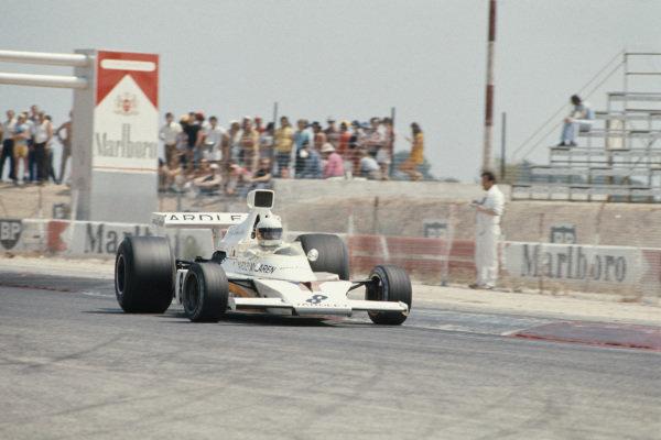 1973 French Grand Prix.  Paul Ricard, Le Castellet, France. 29th June - 1st July 1973.  Jody Scheckter, McLaren M23 Ford, controls a slide on corner exit.  Ref: 73FRA09. World Copyright: LAT Photographic