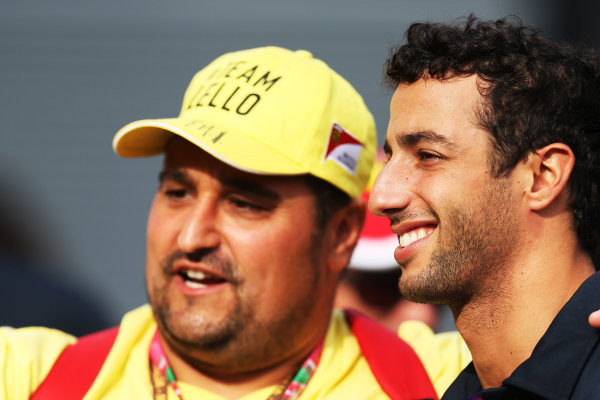 Autodromo Nazionale di Monza, Monza, Italy. Friday 4 September 2015. Daniel Ricciardo, Red Bull Racing, has his photo taken with a fan. World Copyright: Jed Leicester/LAT Photographic ref: Digital Image JL1_8172