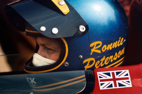 Ronnie Peterson (March-Ford Cosworth) portrait.Ref - P3A 21.World Copyright - LAT Photographic