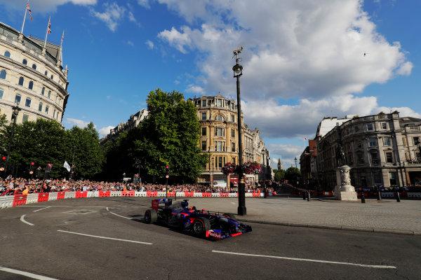 London, United Kingdom.  Wednesday 12 July 2017. Carlos Sainz Jr, Toro Rosso STR12 Renault. World Copyright: Mauger/LAT Images  ref: Digital Image _56I5951
