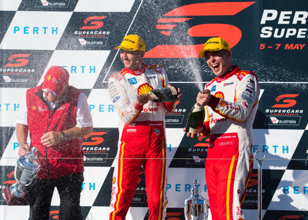 2017 Supercars Championship Round 4.  Perth SuperSprint, Barbagallo Raceway, Western Australia, Australia. Friday May 5th to Sunday May 7th 2017. Roger Penske team owner of DJR Team Penske, Fabian Coulthard driver of the #12 Shell V-Power Racing Team Ford Falcon FGX, Scott McLaughlin driver of the #17 Shell V-Power Racing Team Ford Falcon FGX. World Copyright: Daniel Kalisz/LAT Images Ref: Digital Image 060517_VASCR4_DKIMG_3942.JPG
