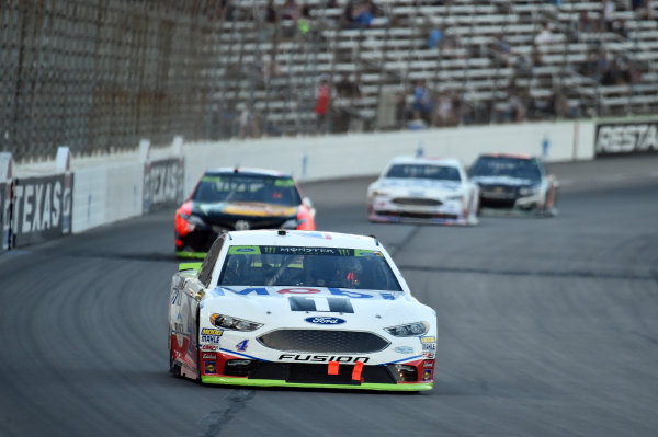 Monster Energy NASCAR Cup Series AAA Texas 500 Texas Motor Speedway Fort Worth, TX USA Sunday 5 November 2017 Kevin Harvick, Stewart-Haas Racing Rodney, Mobil 1 Ford Fusion, Martin Truex Jr, Furniture Row Racing, Bass Pro Shops / Tracker Boats Toyota Camry World Copyright: John K Harrelson LAT Images