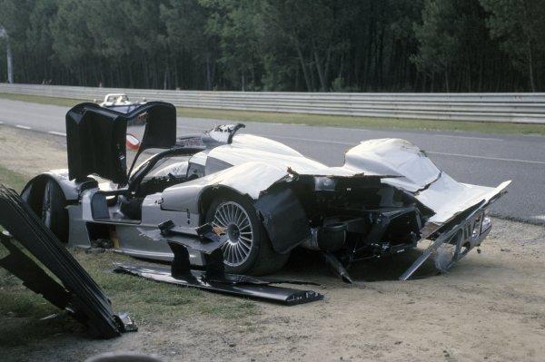 1999 Le Mans 24 hours. Le Mans, France. 12th - 13th June 1999. Jean-Marc Gounon/Marcel Tiemann/Mark Webber (Mercerdes CLR), retired, action. World Copyright: Jeff Bloxham/LAT Photographic. Ref: 99LM05.