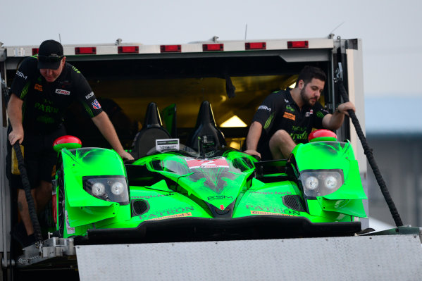 19-21 March, 2015, Sebring, Florida USA 2, Honda, HPD ARX-04b, P, Ed Brown, Johannes van Overbeek, Jon Fogarty crew unloads car on Thursday am. ©2015, Richard Dole LAT Photo USA