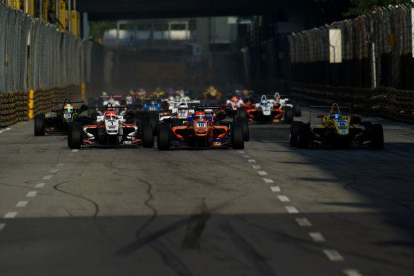 2014 Macau Formula 3 Grand Prix Circuit de Guia, Macau, China 12th - 16th November 2014 Start of the Race World Copyright: XPB Images / LAT Photographic  ref: Digital Image 3391432_HiRes