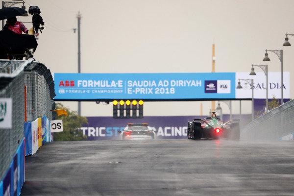 Lucas Di Grassi (BRA), Audi Sport ABT Schaeffler, Audi e-tron FE05 follows the Qualcomm BMW i8 Safety car