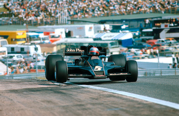 1977 Spanish Grand Prix.Jarama, Madrid, Spain.6-8 May 1977.Mario Andretti (Lotus 78 Ford) 1st position.Ref-77 ESP 23.World Copyright - LAT Photographic