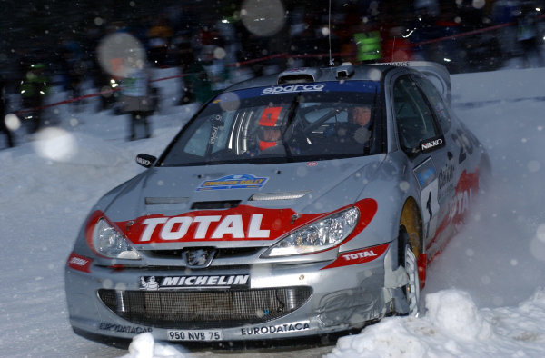 2002 World Rally ChampionshipUddeholm Swedish Rally, 1st-3rd February 2002.Richard Burns on stage 1.Photo: Ralph Hardwick/LAT