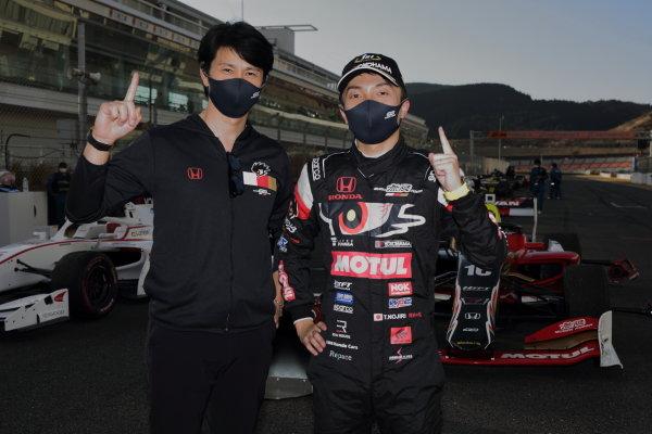 Winner Tomoki Nojiri ( #16 TEAM MUGEN, Dallara SF19 Honda) celebrates in parc ferme with Team Director Shinji Nakano. Photo: Yukio Yoshimi