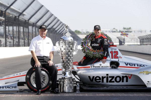 Winner Will Power, Team Penske Chevrolet and Roger Penske Winner Will Power, Team Penske Chevrolet and team