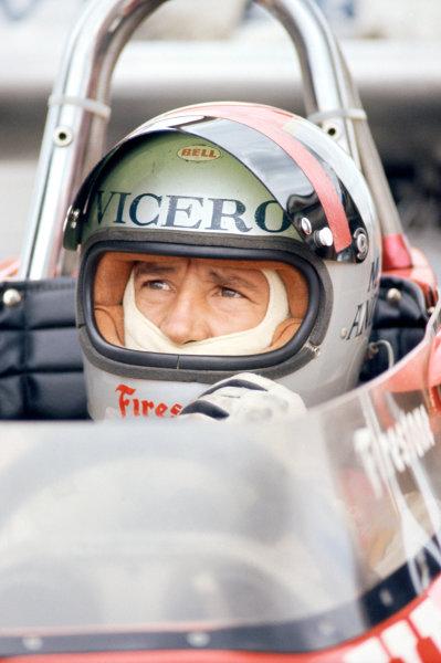 1974 USAC Indycar Series.Michigan, MI, USA. 15th September 1974.Mario Andretti (Eagle-Offenhauser), 10th position/Piston.World Copyright: Murenbeeld/LAT Photographic