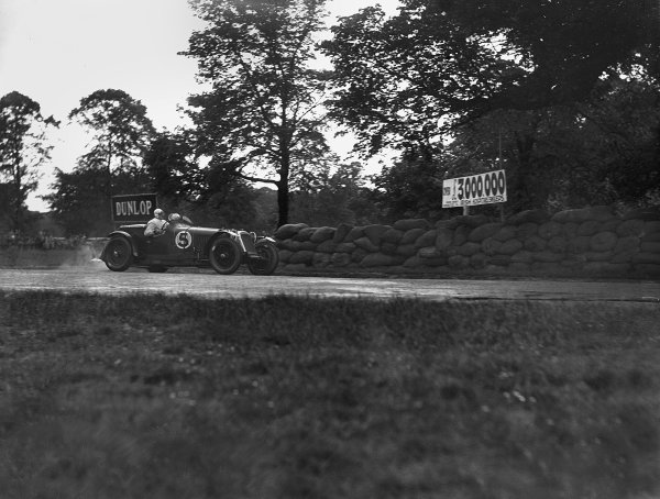 1931 Irish International Grand Prix. Phoenix Park, Dublin, Ireland. 5th - 6th June 1931. Maserati, action.  World Copyright: LAT Photographic. Ref:  LAT NEG 733 -2