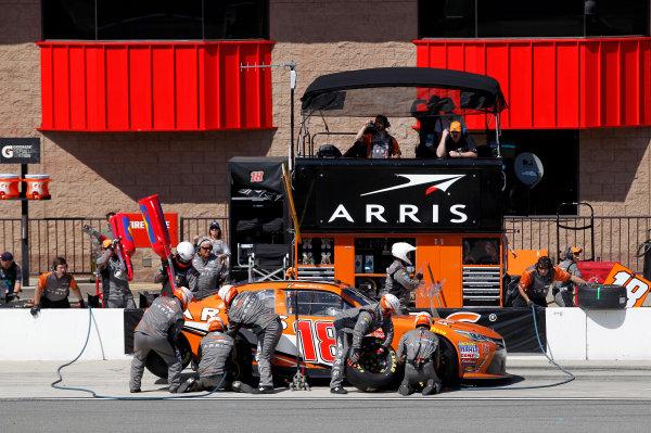 20-21 March, 2015, Fontana, California USA Daniel Suarez, Arris Toyota Camry pit stop ©2015, Matthew T. Thacker LAT Photo USA