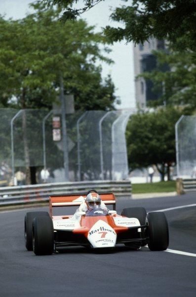 1982 Detroit Grand Prix.Detroit, United States. 6 June 1982.John Watson, McLaren MP4/1B-Ford, 1st position, action.World Copyright: LAT PhotographicRef: 35mm transparency 82DET