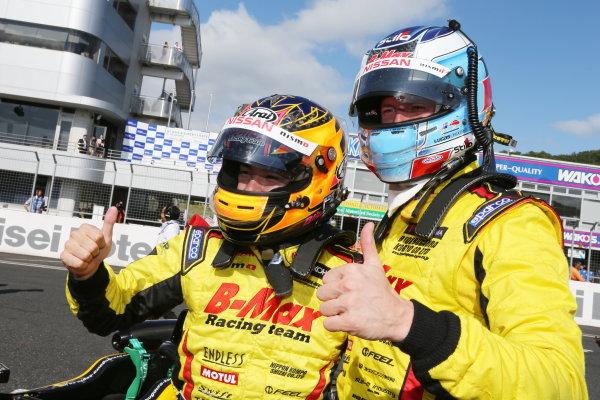 2015 Japanese Formula 3 Championship. Okayama, Japan. 27th - 28th June 2015. Rd 10 & 11. Winner Mitsunori Takaboshi ( #23 B-MAX NDDP F3 ) 2nd position Kenta Yamashita ( #36 PETRONAS TOM'S F312 ) parc ferme, portrait World Copyright: Masahide Kamio / LAT Photographic. Ref:  2015JF3_Rd10&11_04