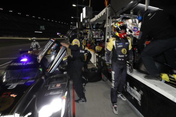 #5: JDC-Miller MotorSports Cadillac DPi, DPi: Sebastien Bourdais, Loic Duval, Tristan Vautier, pit stop