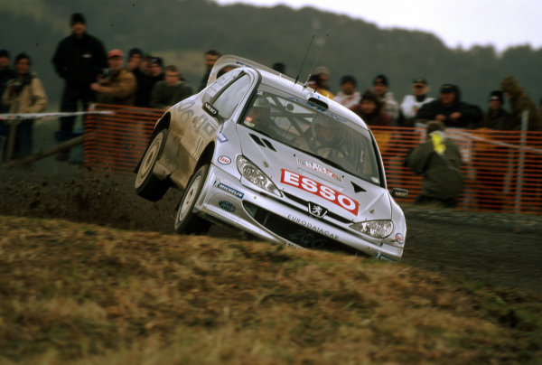 2000 World Rally ChampionshipRound 8, New Zealand Rally14th -16th July 2000Marcus Gronholm - Peugeot.World - Mcklein / LAT Photographic