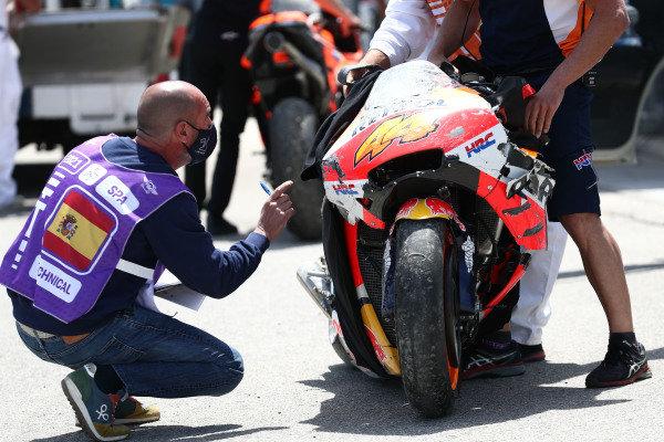 Pol Espargaro, Repsol Honda Team crash.