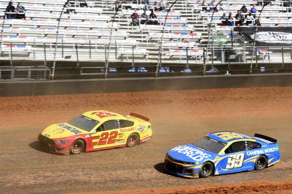 #22: Joey Logano, Team Penske, Ford Mustang Shell Pennzoil, #99: Daniel Suarez, TrackHouse Racing, Chevrolet Camaro Camping World