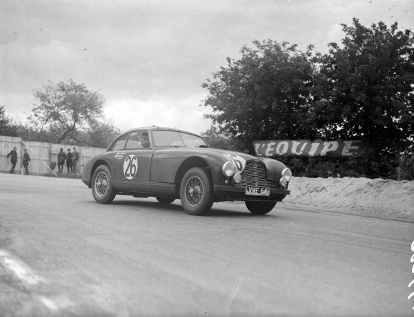 Lance Macklin / Eric Thompson, Aston Martin Ltd, Aston Martin DB2.