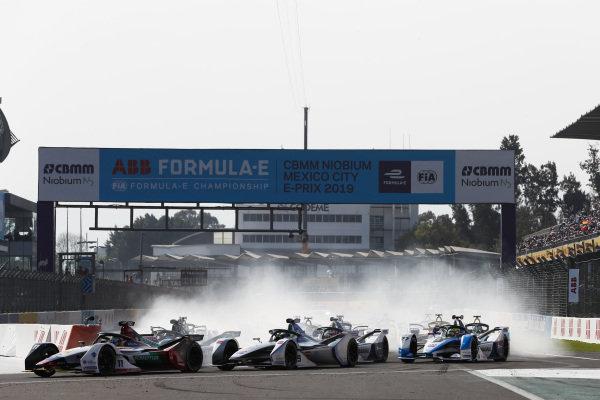 Lucas Di Grassi (BRA), Audi Sport ABT Schaeffler, Audi e-tron FE05 leads Felipe Massa (BRA), Venturi Formula E, Venturi VFE05 and Sébastien Buemi (CHE), Nissan e.Dams, Nissan IMO1