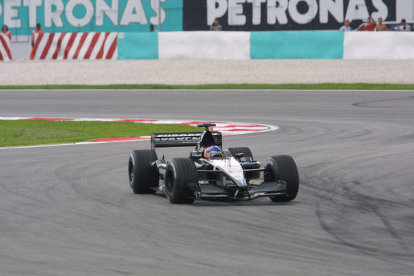 2001 Malaysian Grand Prix.Sepang, Kuala Lumpur, Malaysia. 16-18 March 2001.Fernando Alonso (Minardi PS01 European).World Copyright - LAT Photographicref: 8 9MB DIGITAL IMAGE