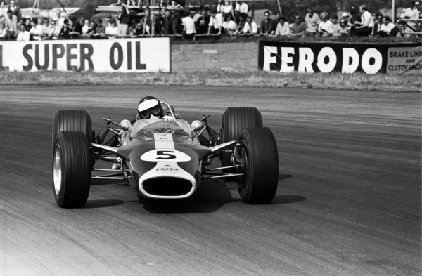 Race winner Jim Clark (GBR) Lotus-Cosworth 49. British Grand Prix, Silverstone, England, 15 July 1967