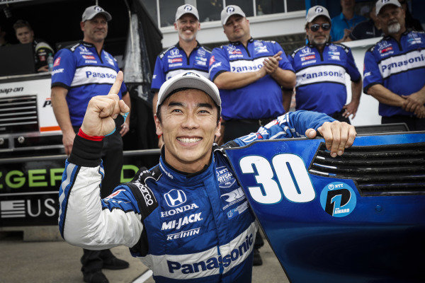 Takuma Sato, Rahal Letterman Lanigan Racing Honda, NTT P1 Award and pole winner