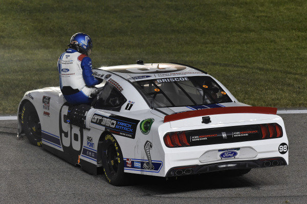 #98: Chase Briscoe, Stewart-Haas Racing, Ford Mustang Ford Performance Racing School  celebrates his win