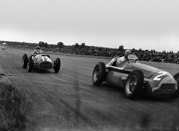 Silverstone, England.12-14 July 1951.Juan Manuel Fangio (Alfa Romeo 159) leads Jose Froilan Gonzalez (Ferrari 375). They finished in 2nd and 1st positions respectively. This was Gonzalez's and the Ferrari constructors maiden Grand Prix victory. Ref-Autocar C29869.World Copyright - LAT Photographic