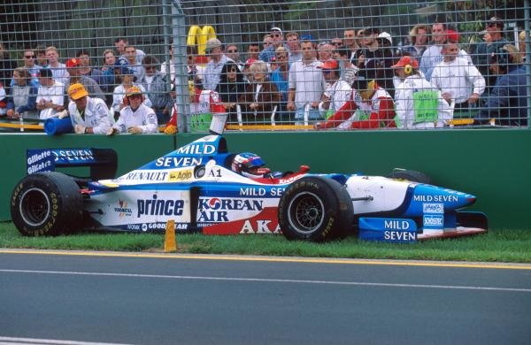 Jean Alesi (FRA), Benetton B197 DNF, retires after ignoring the pit crew and then runs out of fuel Formula One World Championship, Australian Grand Prix, Melbourne, Australia, 9 March 1997.
