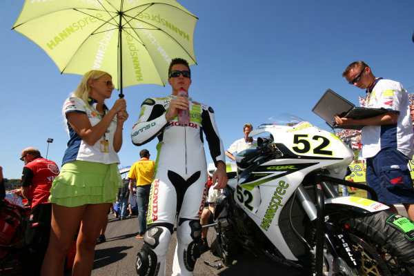 Brands Hatch, England. 3rd - 5th August 2007. James Toseland, Hannspree Honda CBR1000RR, prepares on the grid. Portrait. World Copyright: Kevin Wood/LAT Photographic ref: Digital Image IMG_8535a