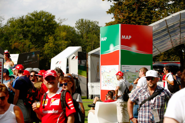 Autodromo Nazionale di Monza, Italy. Friday 01 September 2017. The atmosphere in the F1 Fanzone. World Copyright: Andy Hone/LAT Images  ref: Digital Image _ONY5991