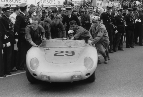 Le Mans, France. 21 - 22 June 1958.Jean Behra/Hans Herrmann (Porsche 718 RSK Spyder), 3rd position at the finish, action. World Copyright: LAT PhotographicRef: 7918F - 18-18A.
