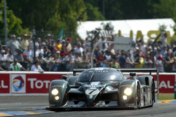 2003 Le Mans 24 HoursLe Mans, France. 14th June 2003The Bentley GTP of Kristensen/Capello/Smith, action.World Copyright: Glenn Dunbar/LAT Photographicref: Digital Image Only
