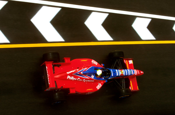 Imola, Italy. 3-5 May 1996. Ricardo Rosset (Footwork FA17 Hart) failed to finish due to his engine and the teams broken refuelling rig.  Ref-96 SM 14. World Copyright - LAT Photographic