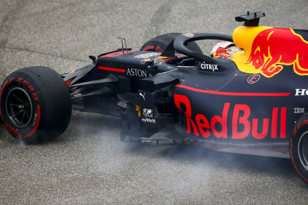 Max Verstappen, Red Bull Racing RB15 spins